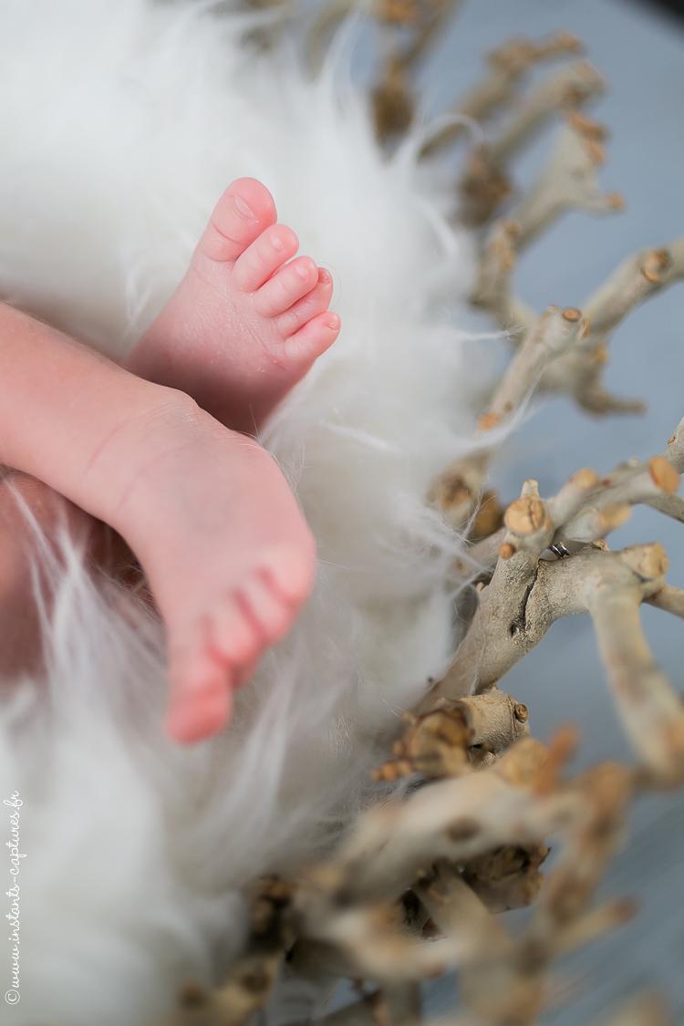 Photographe nouveau-nés studio Paris - Juliette 17 jours
